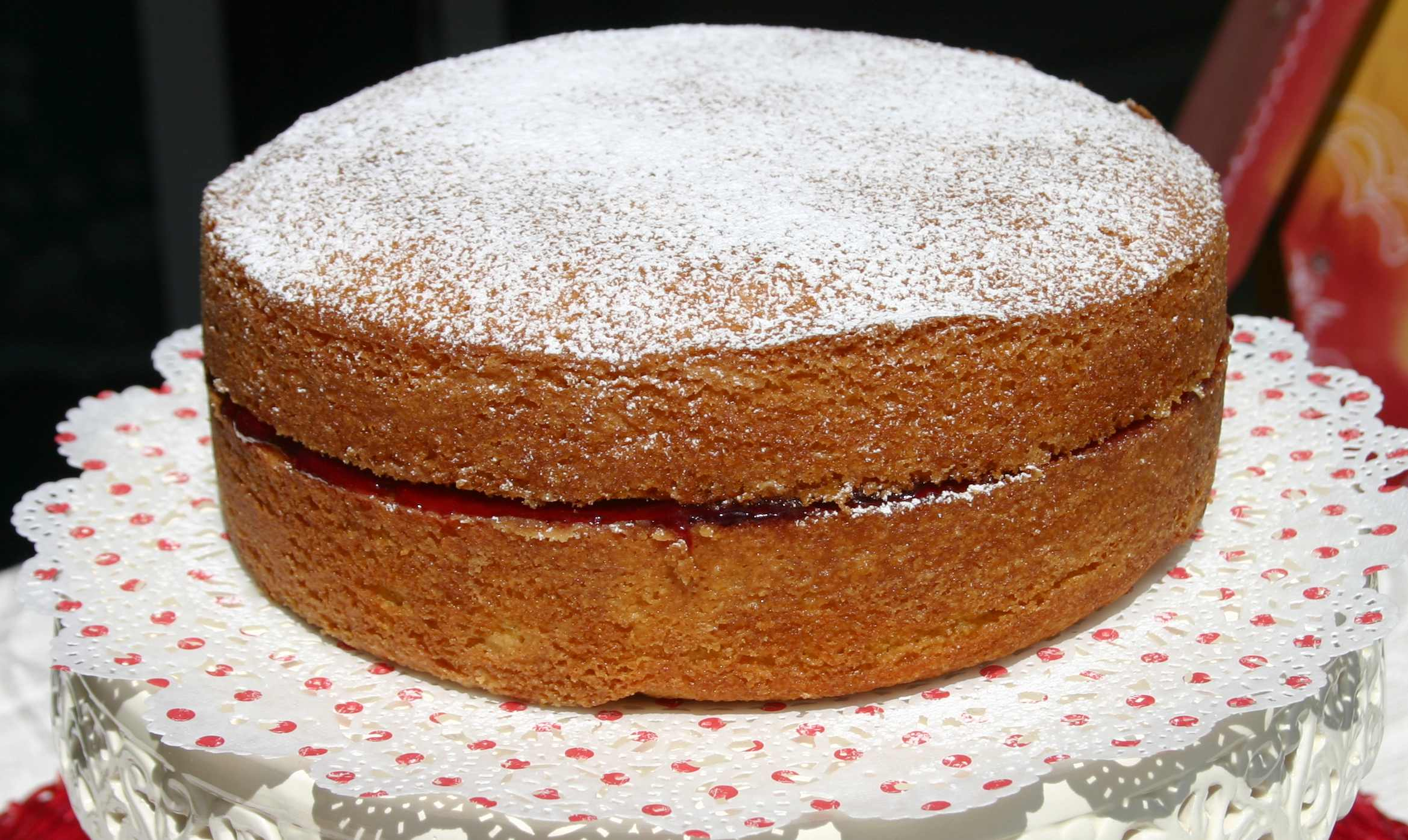 besides Victoria Sponge What's Cooking Pinterest Victoria Sponge ...